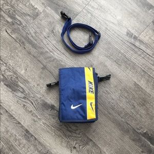 VINTAGE Nike Cross body 💧
